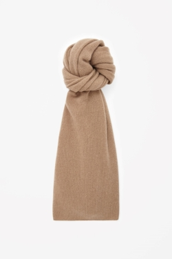 http://www.cosstores.com/at/Women/Hats_Scarves_Gloves/Cashmere_scarf/10672463-31563906.1#29648662
